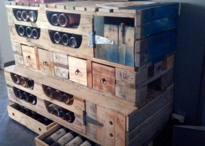 meuble-rangement-bouteilles-et-tiroirs