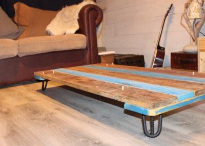 table basse en bois recyclé, montage 2