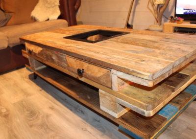 table basse en bois recyclé, montage 5