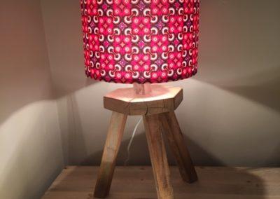 Lampe en bois recyclé