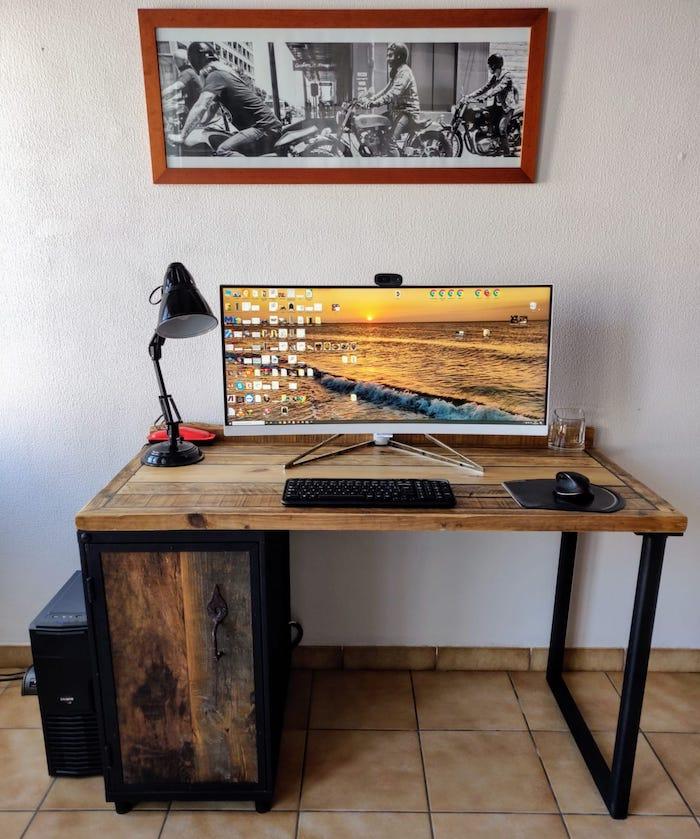 bureau avec armoire