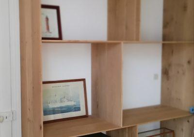 Bibliothèque bois sur mesure pour maquettes de bateau