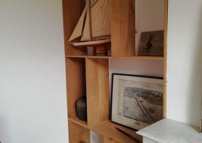Bibliothèque bois sur mesure, détail