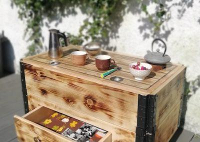 table basse relevable avec rangement, tiroir plein