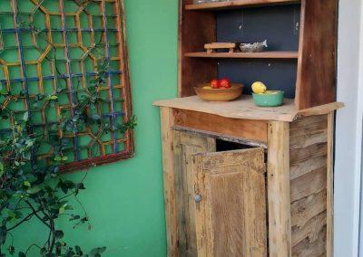 Petit vaisselier en bois recyclé