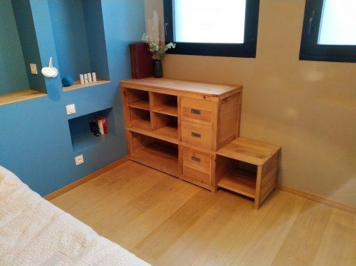 Meuble de rangement en chêne massif 3 tiroirs et une assise